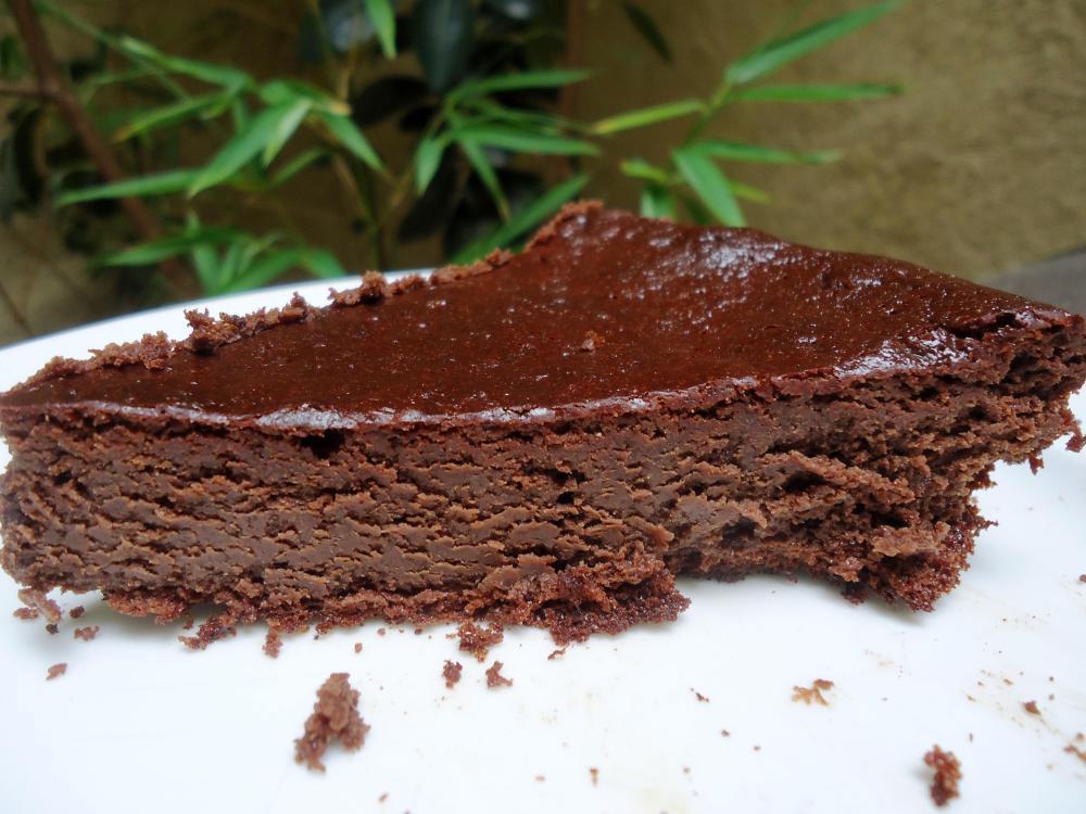 Gâteau au chocolat fortement inspiré par Marie, sans gluten, sans amidon, sans lactose. (1/3)