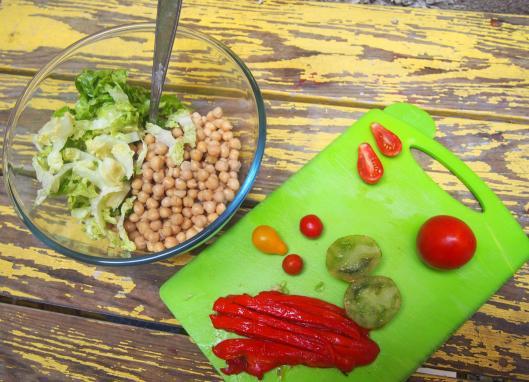 salade-pois-chiche-tomates-poivron