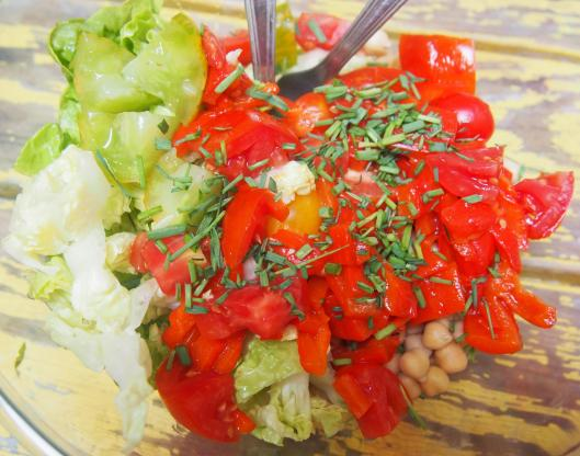 salade-pois-chiche-tomates-poivrons