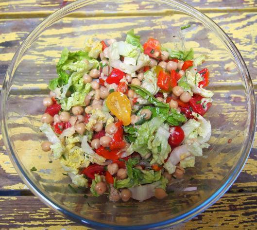 salade-poix-chiche-poivron-tomate