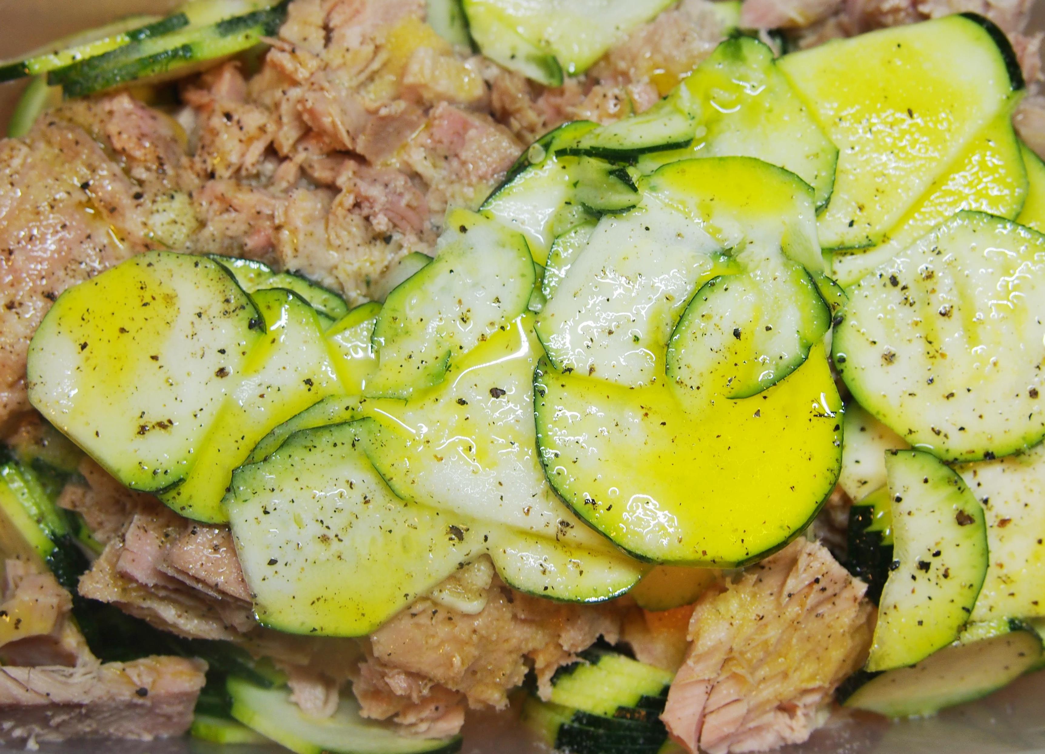 Salade de courgette au thon et merci mathilde - Cuisiner du thon en boite ...