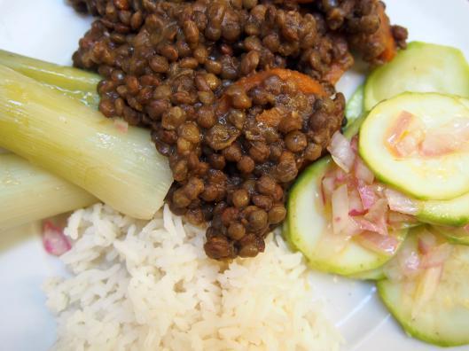 assiette-végane-lentille-riz-poireau-courgette-sans gluten-sans lactose