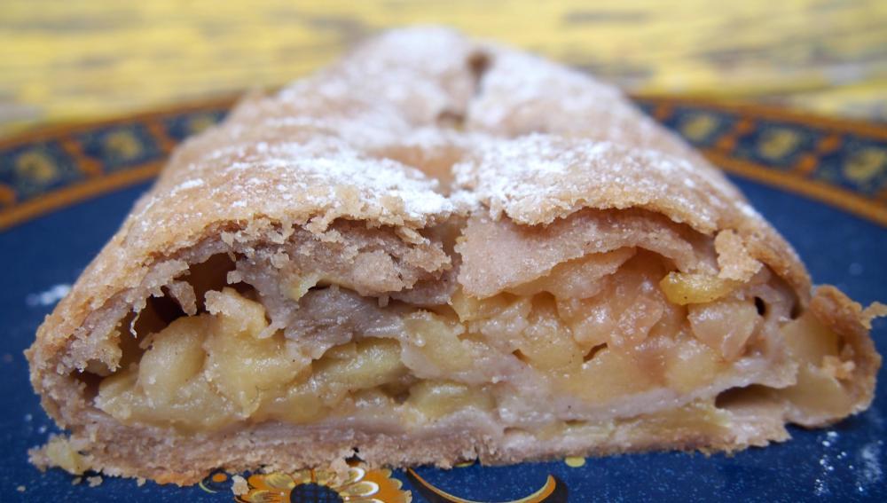 Applestruddel aux pommes, à la poire, végan et très peu sucré. (1/6)