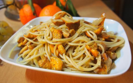 spaghettis-girolles