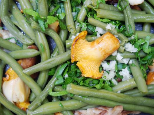 dos de cabillaud-haricots verts-girolles-shiikaté-poêlée de légumes-persillade-sans gluten-sans amidon-combinaisons alimentaires-blog Narbonne-blogueuse Narbonne