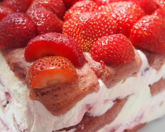 la Clape-charlotte aux fraises-fraise-biscuits roses de Reims-fromage blanc-mascarpone-blog Narbonne-blogueuse Narbonne