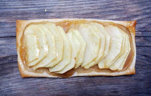 tartelette-tarte-pomme-gelée de pétale de rose-végan-blog Narbonne-blogueuse Narbonne-Carole Caillaba Suchet
