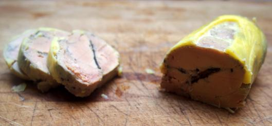 http://chefsimon.com/gourmets/chef-simon/recettes/ballotine-de-foie-gras